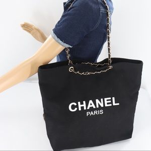 🌺✨LARGE✨🌺 CHANEL TOTE BAG